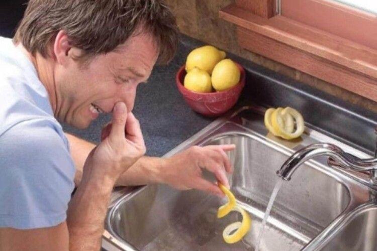 Як побороти неприємні запахи в домі