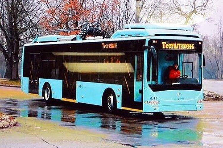 В Україні розробили тролейбус, який може проїхати 20 км з опущеними «рогами»