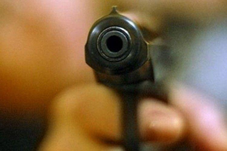 Чоловік в Одесі стріляв по перехожих з вікна