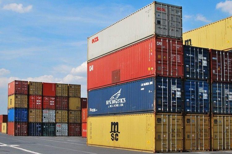 Торік Україна збільшила імпорт товарів з Росії майже на 40%