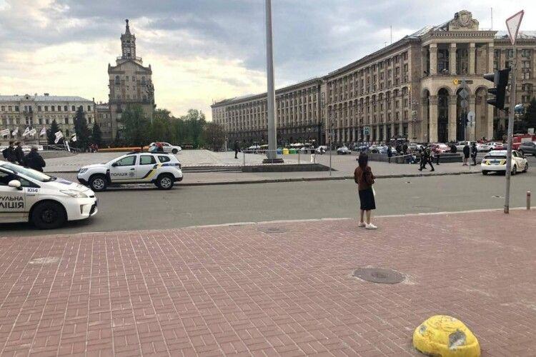 У Києві поліція зачищає від людей Майдан Незалежності