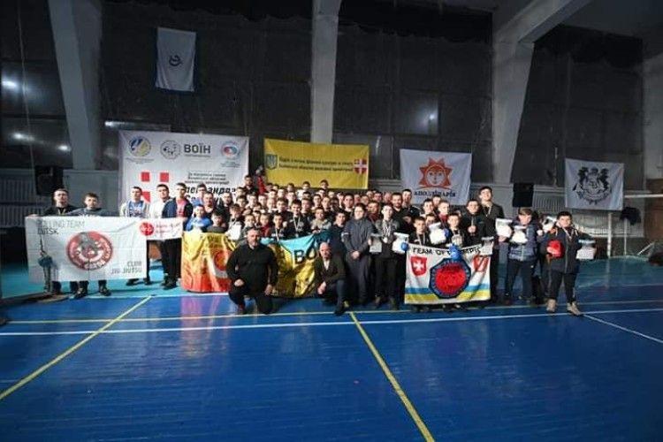 У Луцьку відбулись змагання із змішаних єдиноборств