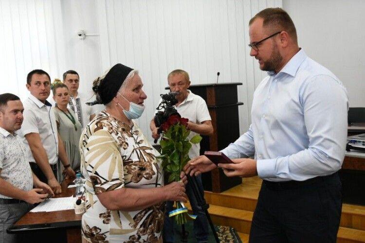 Мама загиблого Героя Сергія Сулими сьогодні отримала орден сина