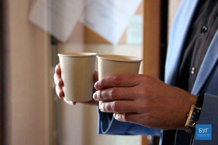 У Володимирі дозволили продавати каву на виніс