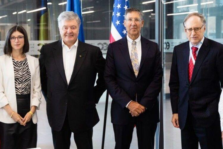 Петро Порошенко зустрівся з делегацією провідних політологічних центрів США
