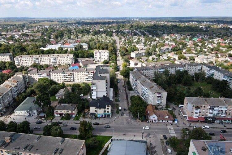 У Володимирі розпочали капітальний ремонт вулиці Незалежності (Відео)