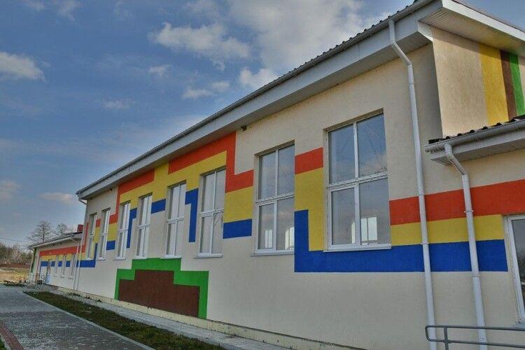 На Рівненщині навіть в умовах карантину будують спорткомплекс