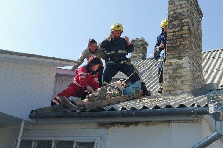 У Костополі 30-річний чоловік заліз на хату і знепритомнів (фото)