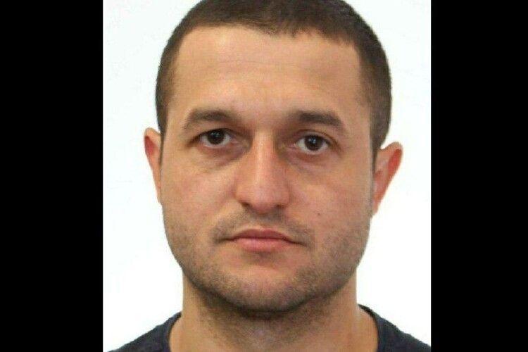 Має при собі автомат Калашникова: на Рівненщині шукають вбивцю 23-річного медика (Фото)