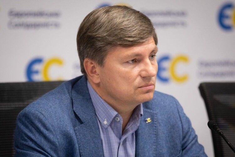 У Зеленського вважають, що у війні на Донбасі винна Україна
