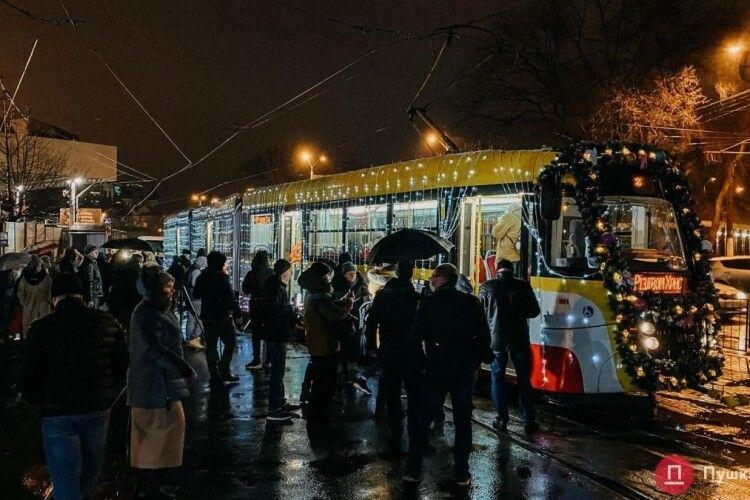 В Одесі відбувся Різдвяний парад трамваїв (Відео)