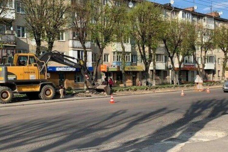 Луцька влада пояснила водіям, як їздити містом у зв'язку з ремонтом центральної дороги