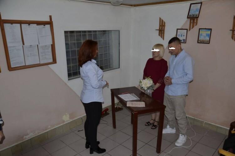 Засуджений додовічного позбавлення волі українець одружився в колонії (Фото)
