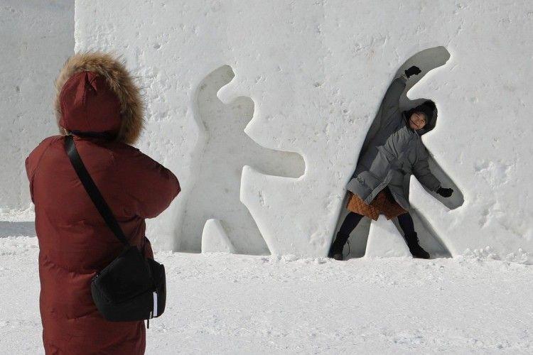 У Пхьончхані страшенна холоднеча – глядачам видаватимуть шапки та грілки
