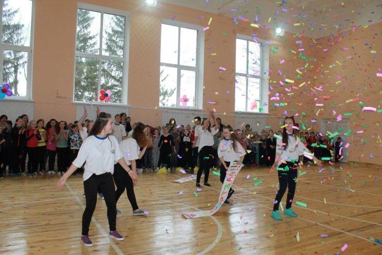 У Луцькому районі для дітей відкрили новий спортивний зал