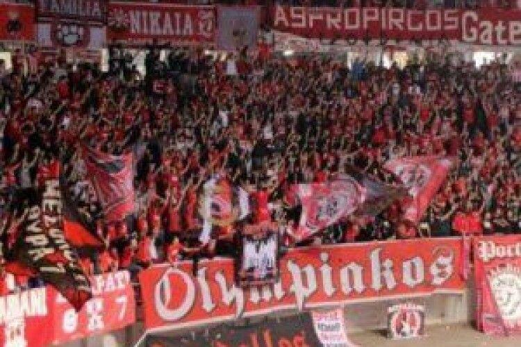 У Греції футбольні фанати дали лупня російському журналісту