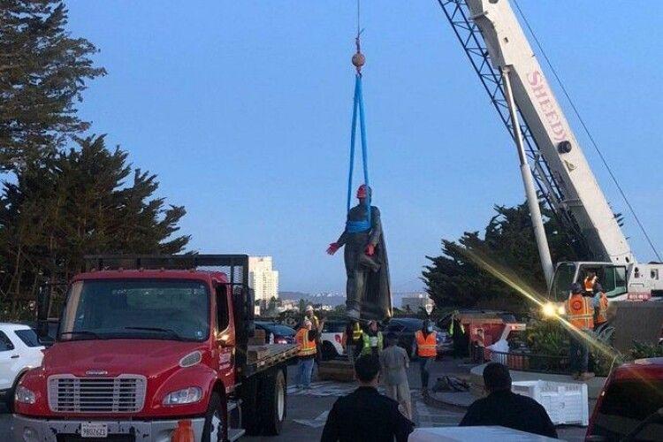 У Сан-Франциско знесли пам'ятник Колумбу