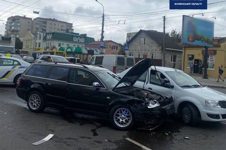 У Луцьку сталася подвійна аварія (Фото)