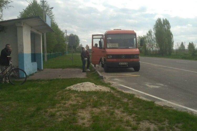 Три волинські села майже рік живуть без автобусного сполучення з Луцьком і сусіднім містом