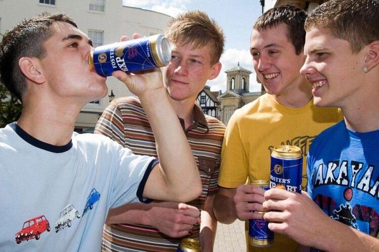 11-річний хлопчик помер під час участі в конкурсі «Хто вип'є більше пива»