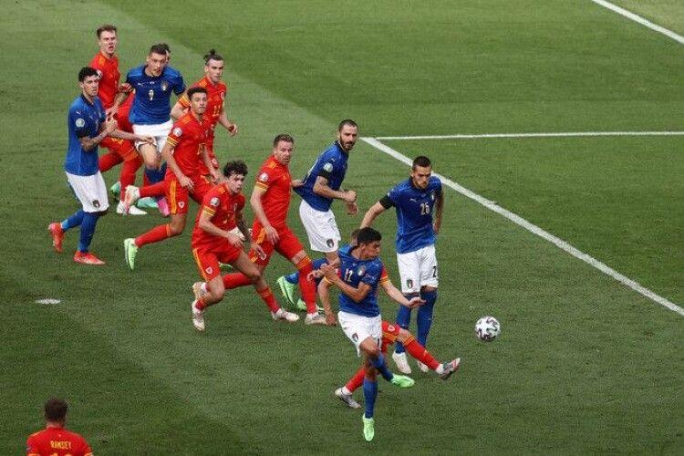 Невже у матчі Італія - Уельс визначився майбутній суперник України