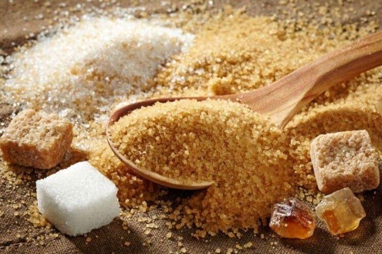 В Україну вже завозять цукор-сирець з тростини