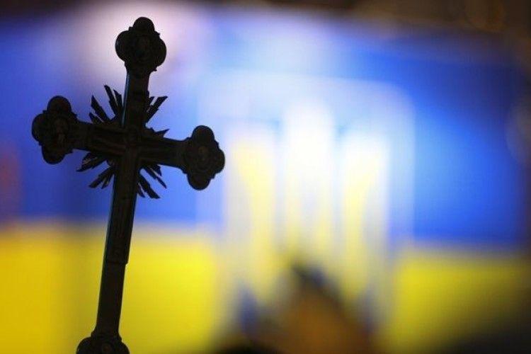 Все більше храмів Рівненщини переходять до Православної церкви України