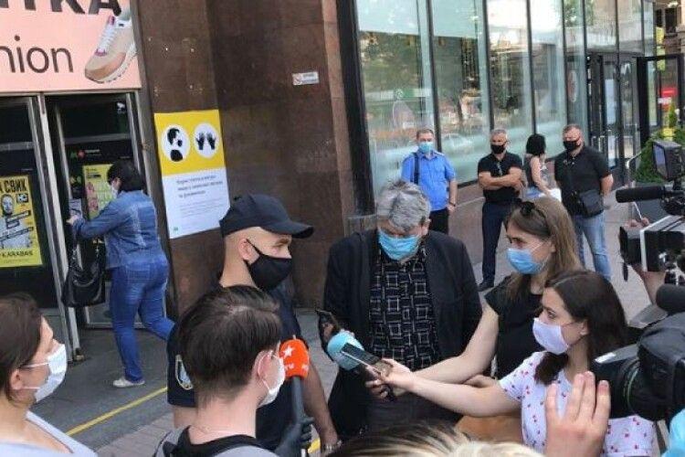 У Києві пасажира метро оштрафували на 17 тисяч за те, що був без маски