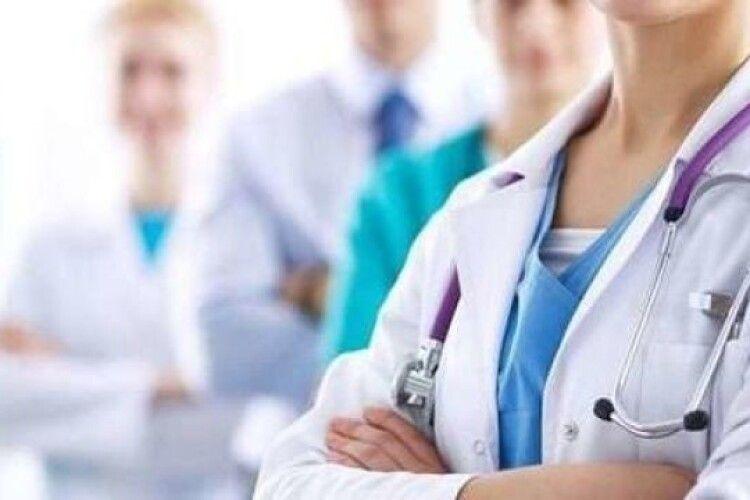 З України з початку 2020 року поїхали понад 66 тисяч медпрацівників