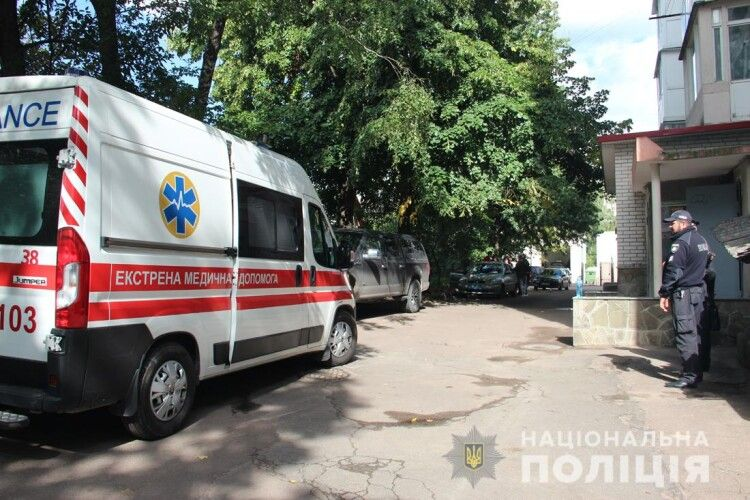 Вбили і спалили квартиру? В Житомирі виявили мертвими жінку з дитиною