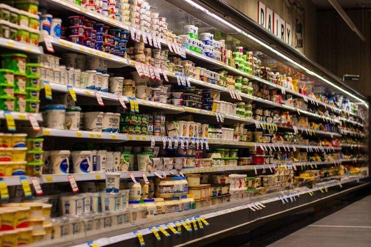 Назвали найбільш небезпечні продукти із супермаркету, від яких варто відмовитися