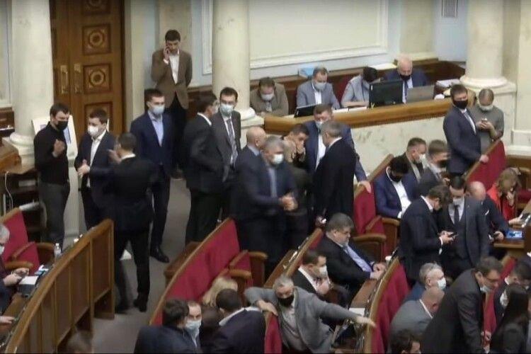 Нова коаліція: «Батьківщина» разом із «слугами» й ОПЗЖ підтримала людину Деркача на міністра енергетики