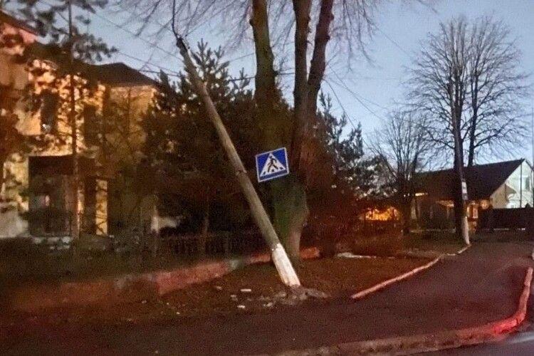 У Нововолинську збили електроопору