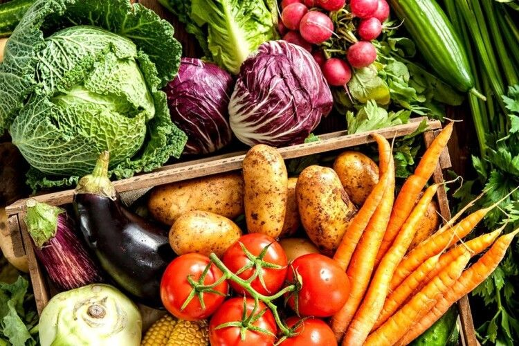 Українцям радять готуватися до зростання у два рази цін на овочі