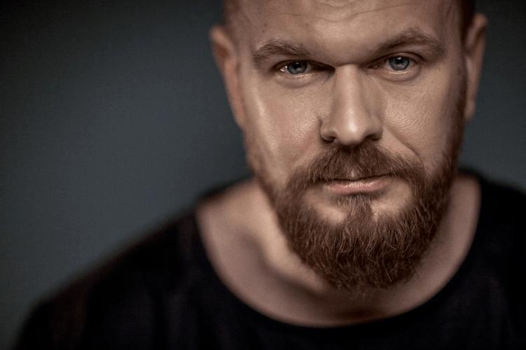 Зеленський відзначив Положинського орденом «За заслуги» – музикант відмовився (Відео)