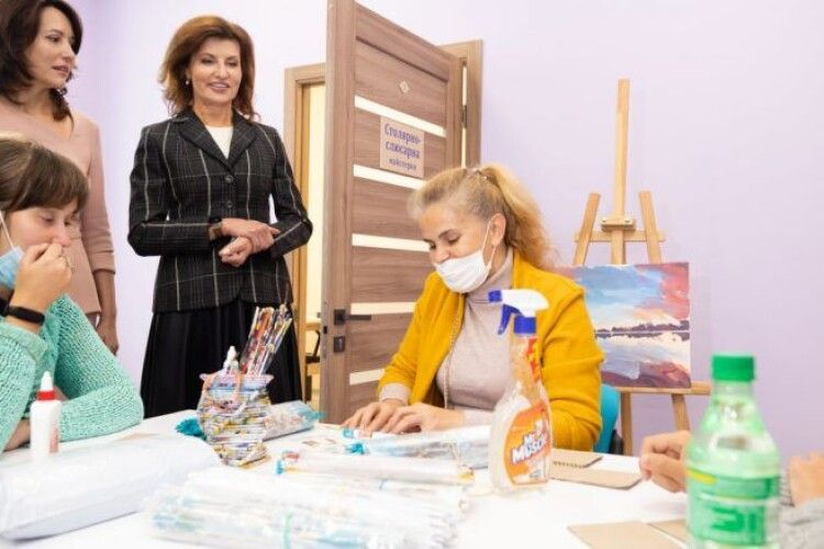 Марина Порошенко: у столиці з'явився перший реабілітаційний центр, де люди з інвалідністю здобувають професію