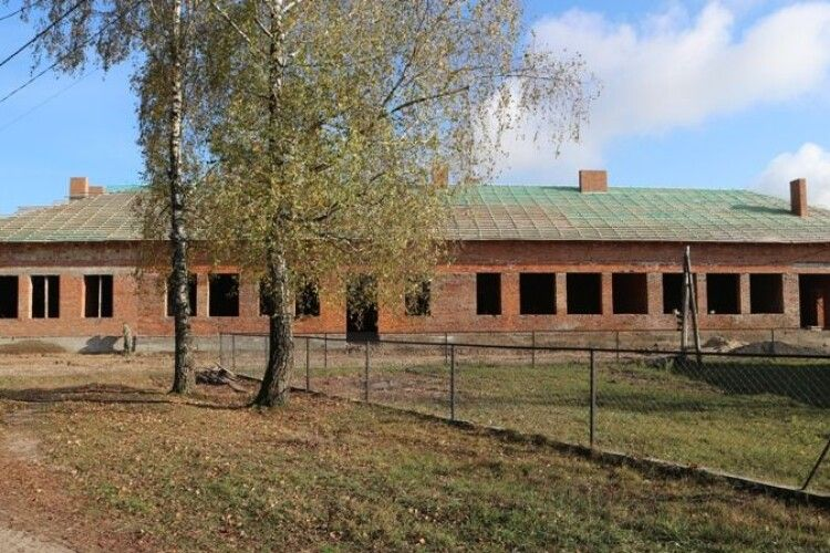 Будівництво школи в Гірках на Любешівщині може завершитися 2020 року