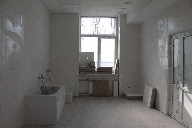 «Велике будівництво» на Волині: три із семи приймальних відділень лікарень не встигли відремонтувати у минулому році