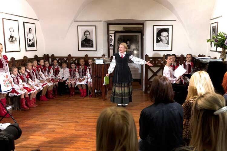 Лесі Українці сподобалось би: уЛуцьку видали дитячу пісенну збірку навірші Олени Пчілки