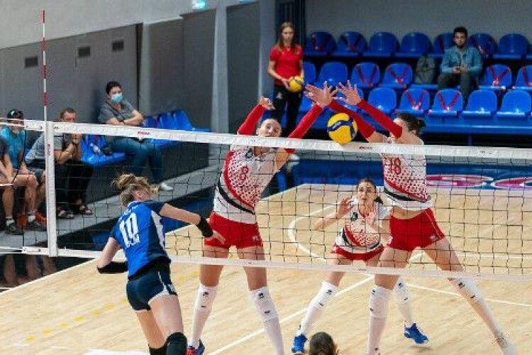 Луцькі волейболістки продовжують лідирувати у жіночій Суперлізі