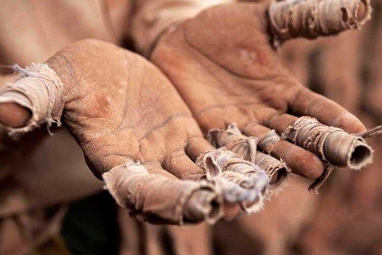 Рідні викупили українця з трудового рабства… в Україні