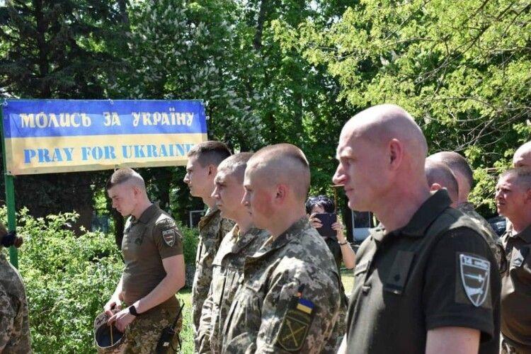 На Луганщині військові колишньої волинської бригади відкрили каплицю