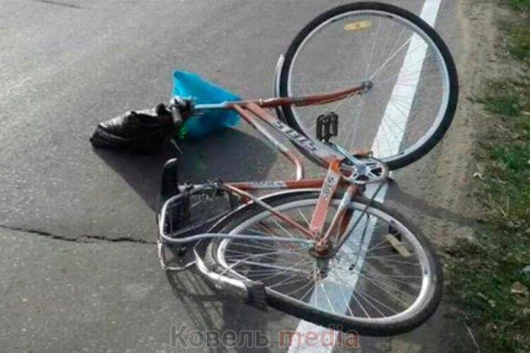 Через вибоїну на дорозі ковельчанин впав з велосипеда та отримав  струс головного мозку