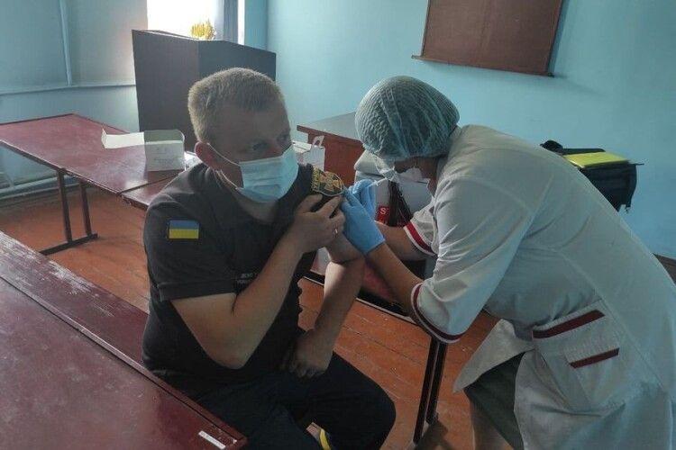 На Волині вакциновано понад 100 рятувальників