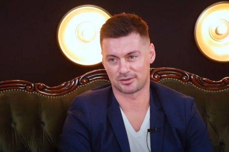 Артем Мілевський розповів про секс із незнайомкою у вбиральні літака (Відео)