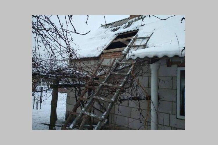 На Любешівщині горів будинок