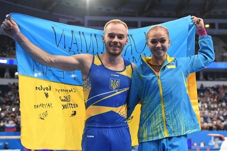 Путіне-скотиняко, підняти сраку! — Звучить Державний гімн України!!!