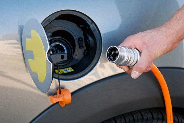 Українці удвічі активніше стали купувати електромобілі