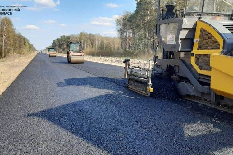 Обмежено рух: в Озерці на Волині починають ремонтувати дорогу