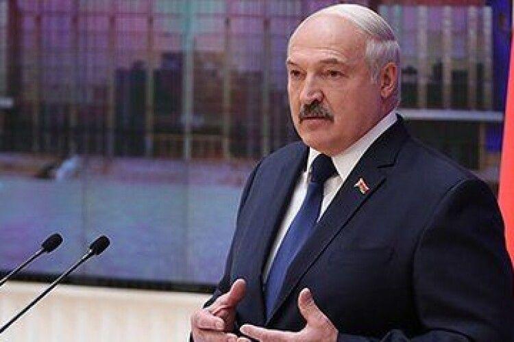 Лукашенко наказав працевлаштувати мітингарів